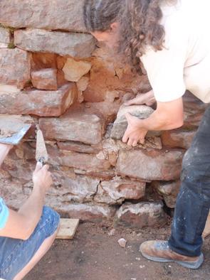 STAGE PRATIQUE : Maçonnerie de mur et muret en grès