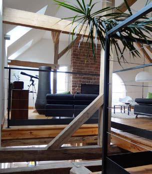 Espace interieur ouvert colombages apparent, luminosité et simplicité
